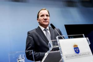 El primer ministro de Suecia Stefan Löfven habla durante una conferencia de prensa en la Cancillería en Estocolmo 02 de diciembre 2014.